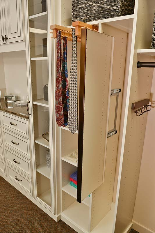 Superieur ... Custom Features Every Masculine Closet Needs