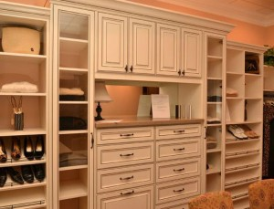 How To Turn That Extra Small Bedroom Into A Walk In Closet