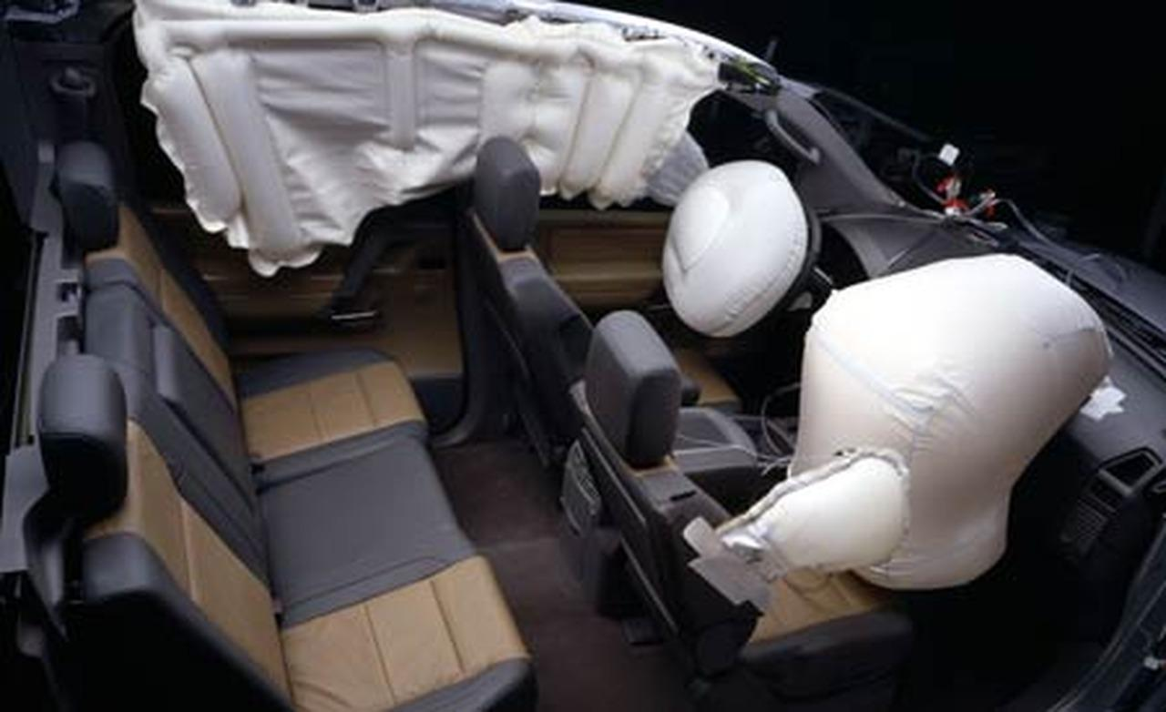 2004 Nissan An Crew Cab Airbag Deployment Photo