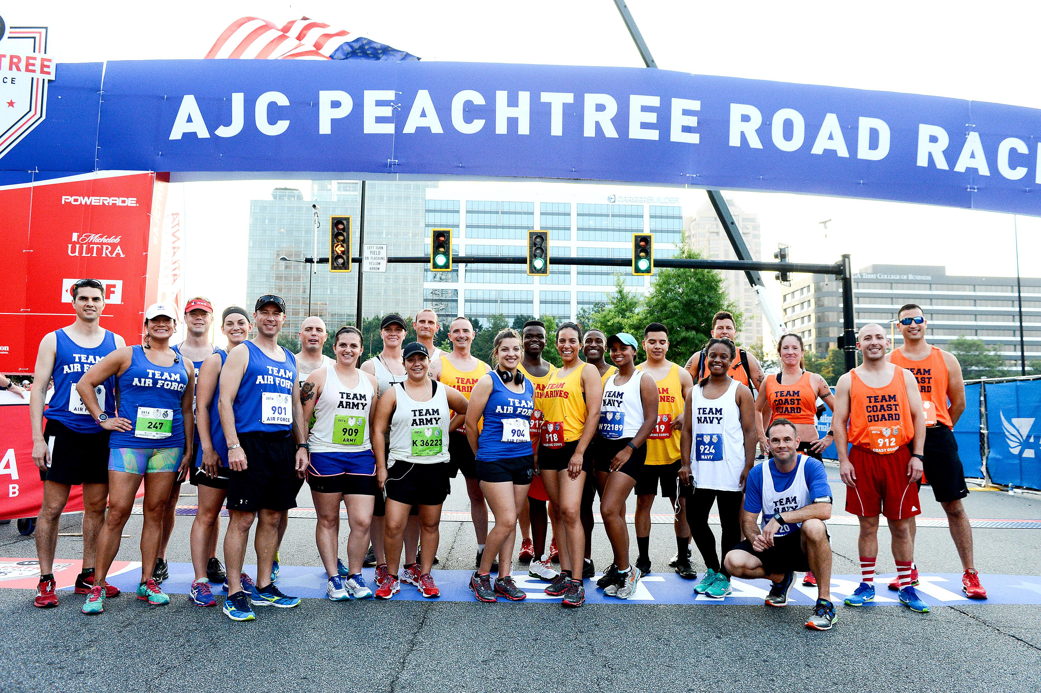 Peachtree road race results 2015 - 2016 Peachtree Road Race Atlanta Georgia July 4 2016 Photo Bruce Wodder