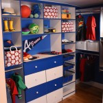 Mudroom and Clean Shelving Techniques
