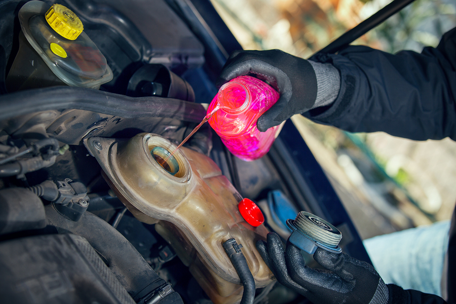 Auto Maintenance Repair: The Right Water To Antifreeze Ratio